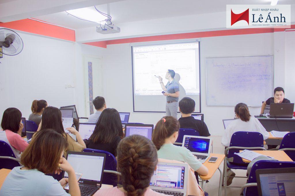 lớp học logistics tại trung tâm Lê Ánh
