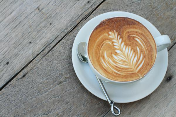 Uống capuccino